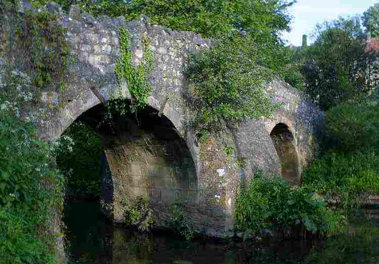 Wellow Packhorse Bridge.jpg - 33.9 KB